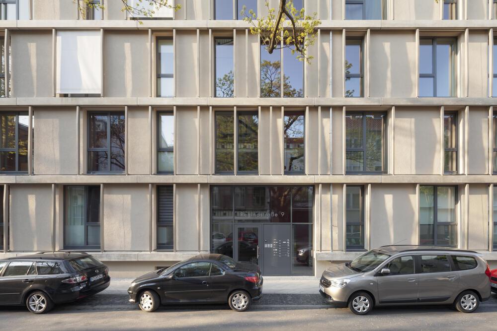 Fassade frontal  Wohngebäude RS9 / Wohnen / Projekte / Architekten / foundation 5+ ...
